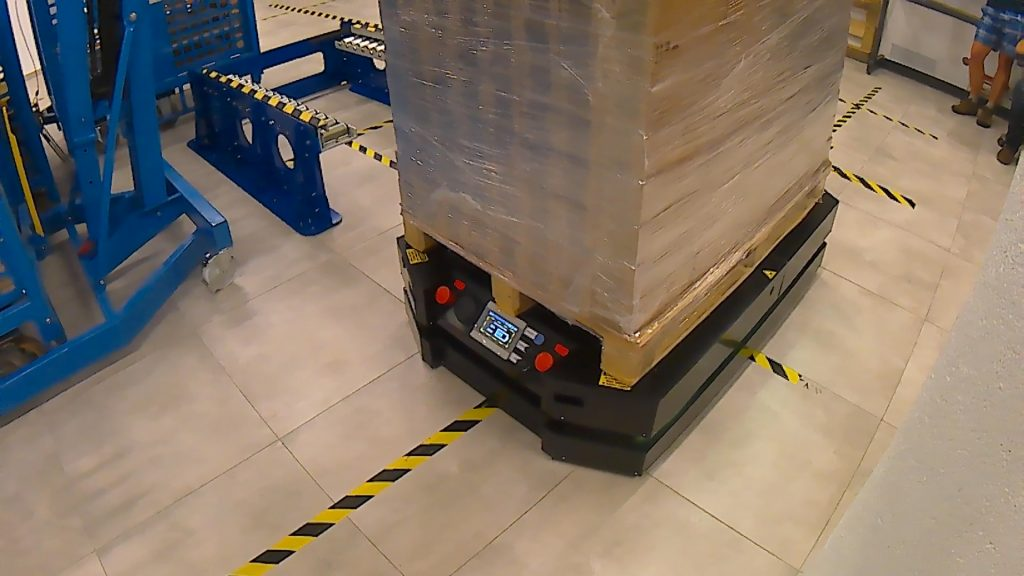 Mobile robots IntraBot Lift 550