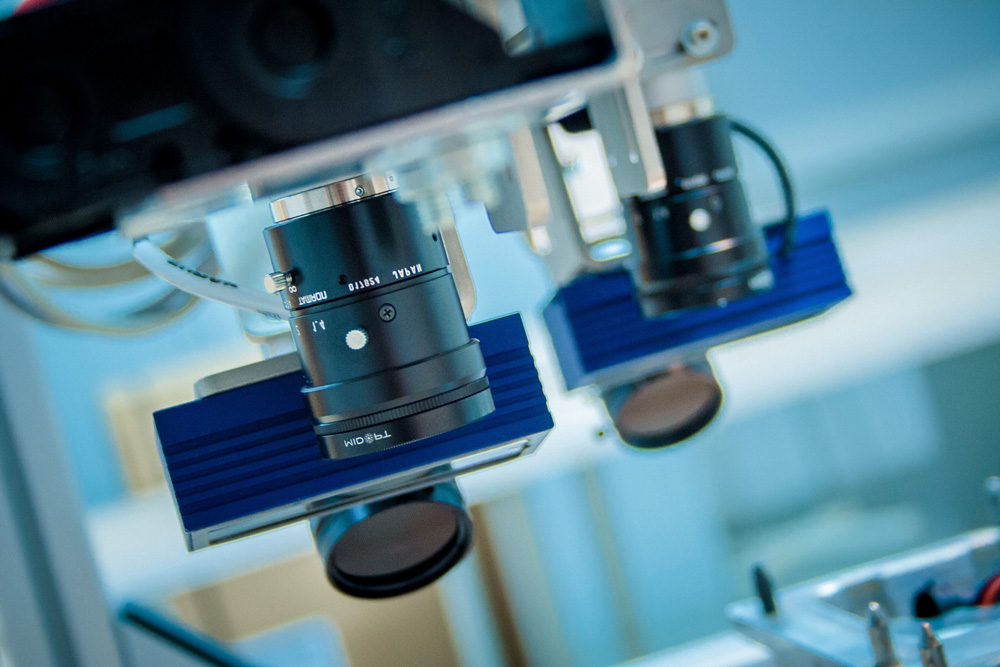 vision systems - 2D and 3D machine vision