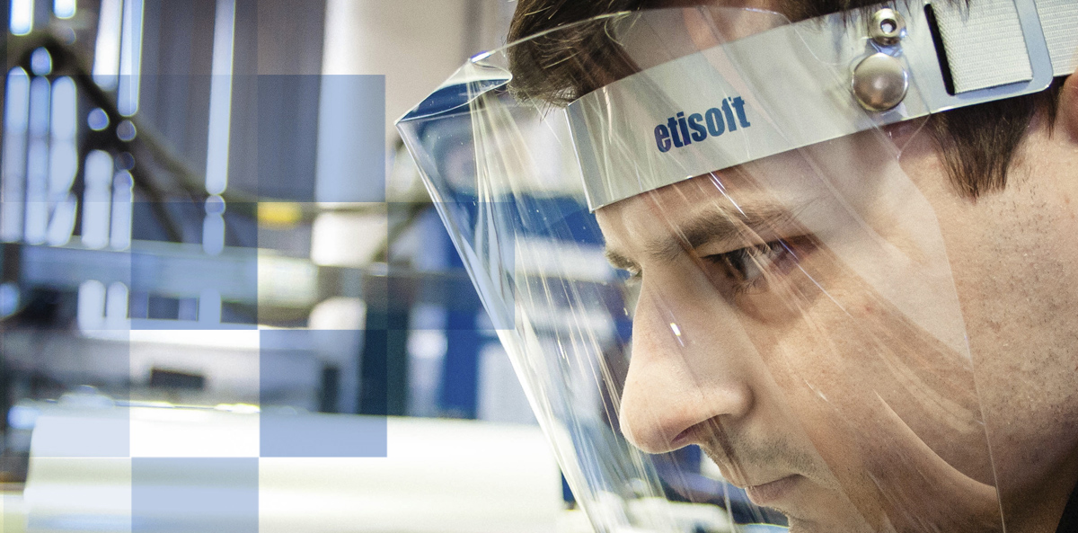 The protective visor – the latest product in the offer of Etisoft