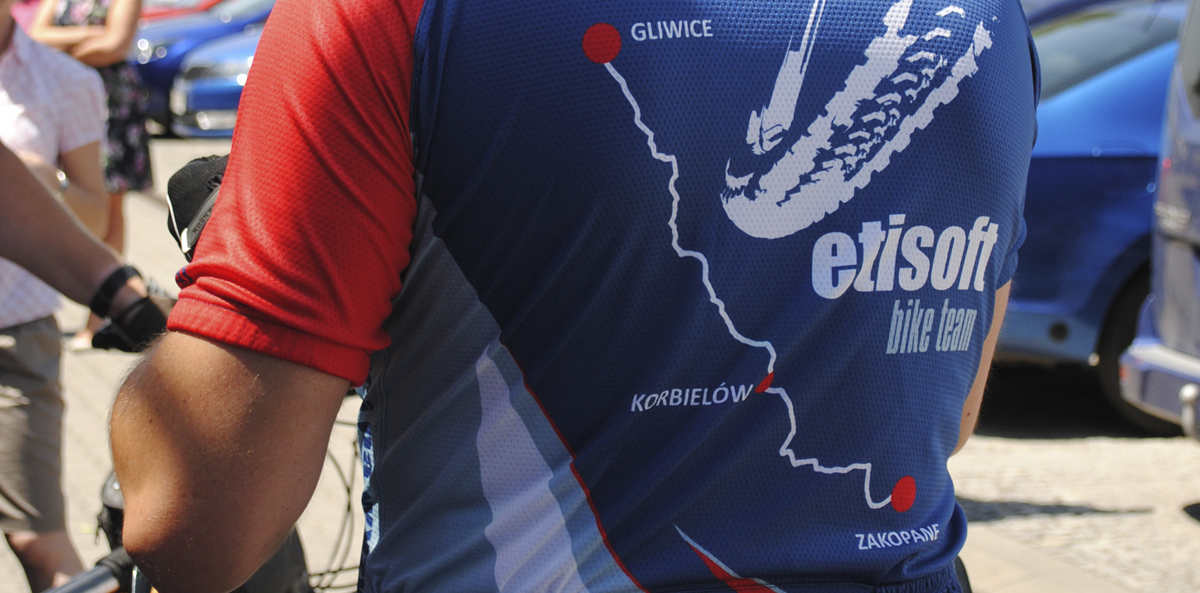 Etisoft's bicycle expedition: 200 kilometers in two days